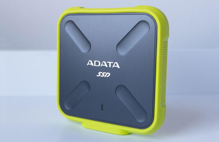 بهترین SSD اکسترنال - ای دیتا مدل اس دی ۷۰۰